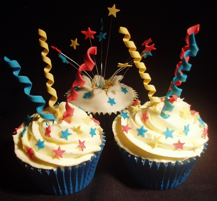 Fireworks and stars cupcakes by Cupcakes à la carte