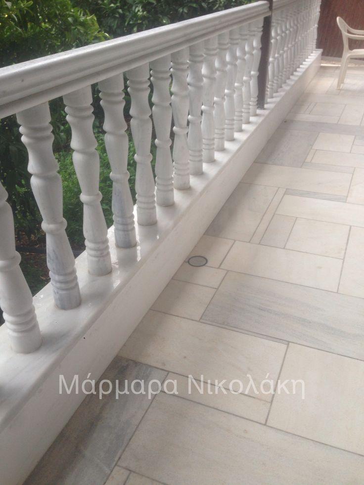 Columns with Dionyssos Marble - Κουπαστές από μάρμαρο Διονύσου.