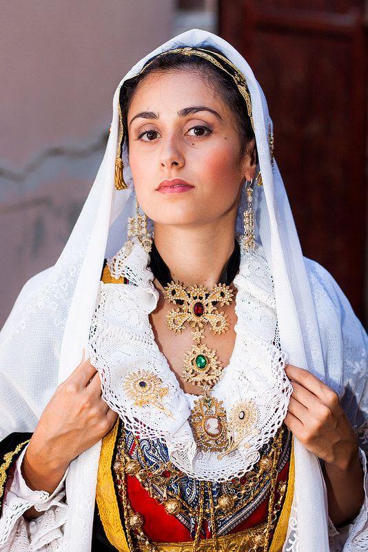 311 best images about vestito tradizionale italiano on for Vestito tradizionale giapponese femminile