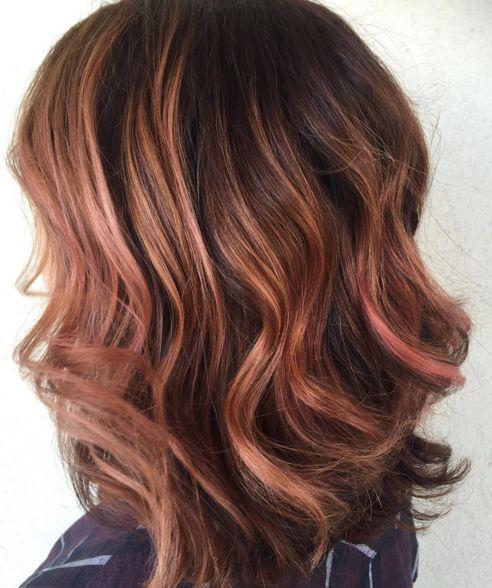 """Y ¡voilà! en ti está lograr el color que quieras.   15 Pruebas de que el cabello """"rosa dorado"""" es el cambio que necesitas en tu vida"""