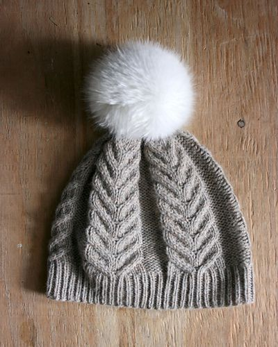 Ravelry: Antler Hat pattern by tincanknits