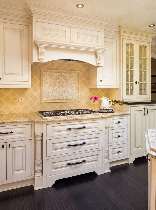 Kitchen Cooktop Ideas. Beautiful kitchen cooktop and drawers under it. I love this traditional look. #Cooktop #Kitchen