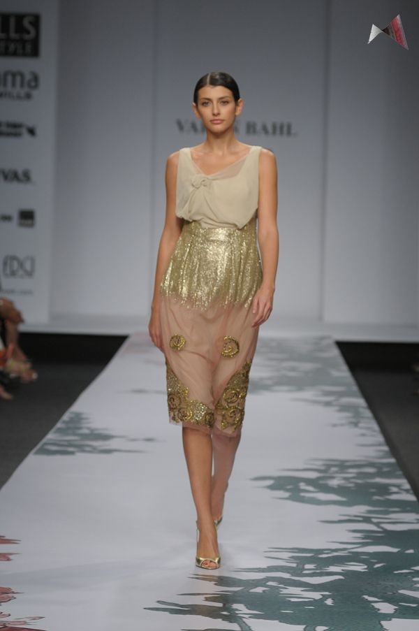 Varun Bahl enthralls all with his nude and sequinned ensemble.