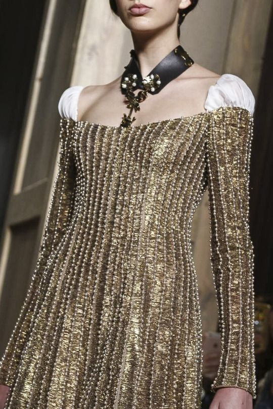 Valentino / FW Couture 2016 ~ETS #gold