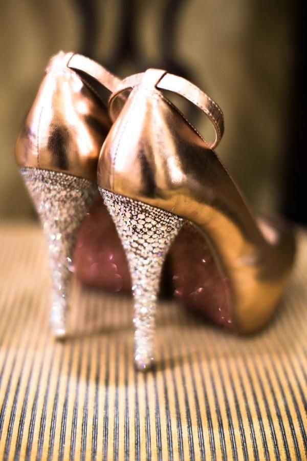 Old Hollywood Glam Wedding with Pink, Black and White Color Scheme in Philadelphia - Munaluchi Bridal Magazine
