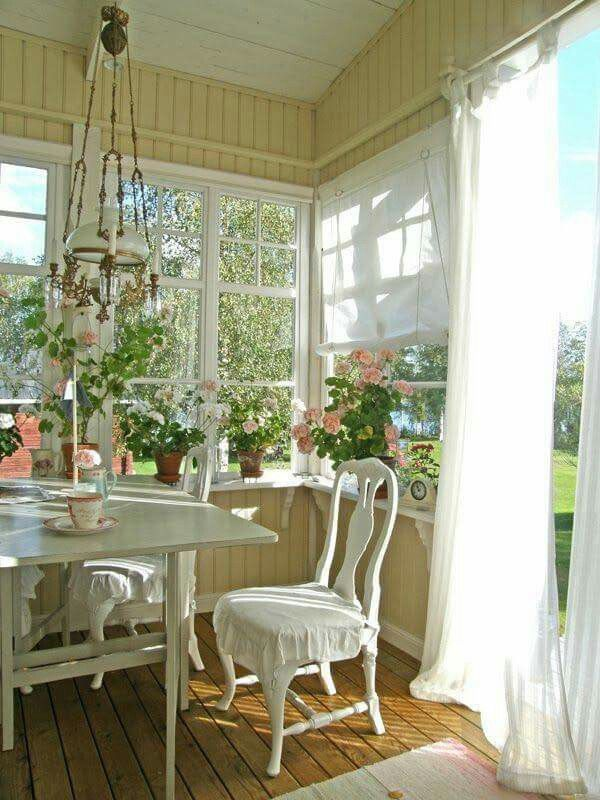 26 Charming And Inspiring Vintage Sunroom Dcor
