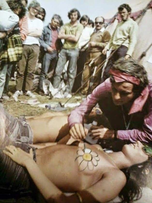 Woodstock 1969 ☮️ OH MY GOD! I found the couple