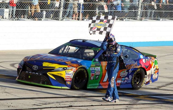 2017 NASCAR Cup Series race winners - November 19, 2017:  Oct 1: Kyle Busch wins the Apache Warrior 400 at Dover International Speedway.