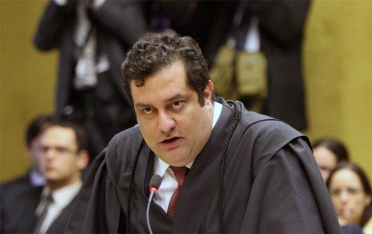 Para advogado criminalista Luiz Fernando Pacheco, que defendeu ex-presidente do PT José Genoino no 'mensalão', a Lava Jato esquece as denúncias gravíssimas que fizeram contra José Serra