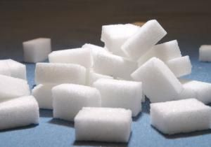 The World Health Organization is considering cutting the amount of sugar it recommends in your daily diet to half the current limit.