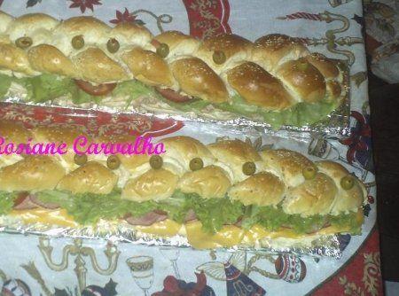 Sandu�che de metro (2 receitas) - Veja mais em: http://www.cybercook.com.br/receita-de-sanduiche-de-metro-2-receitas.html?codigo=102030