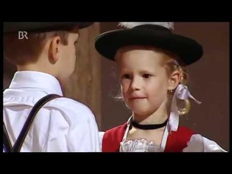 Kindergruppe Trachtenverein Hammergau-Ainring: Adorable Kids Doing a German Folk Dance | Your Weekly Listen