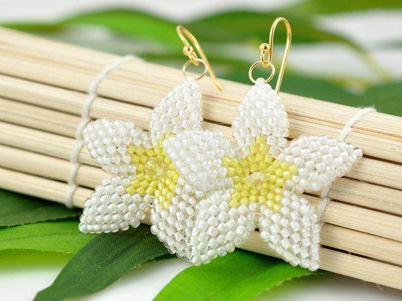 Plumeria earrings - beaded hawaiian flower earrings - white and yellow.