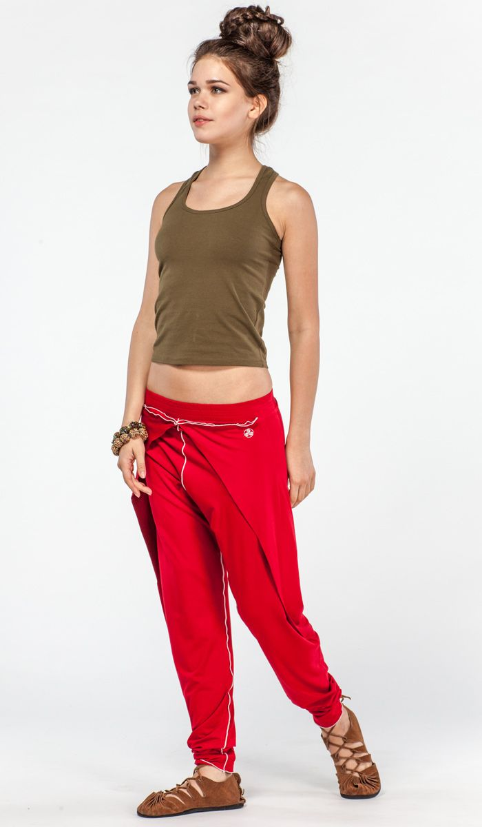 Красные штаны для йоги от Yuga-Yoga. Органический хлопок, удобный и стильный покрой.  yoga pants organic cotton http://indiastyle.ru/products/shtany-dlya-jogi-pralajya 4380 рублей