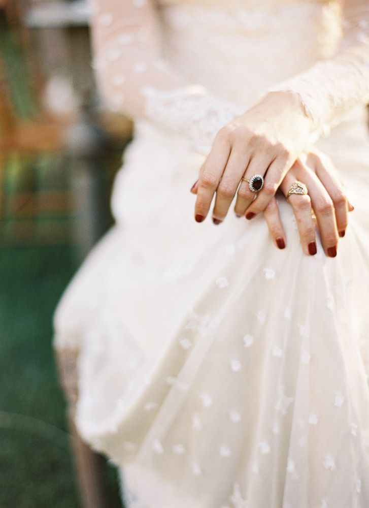 Do Or Don T A Colored Mani On Your Wedding Day Girlish