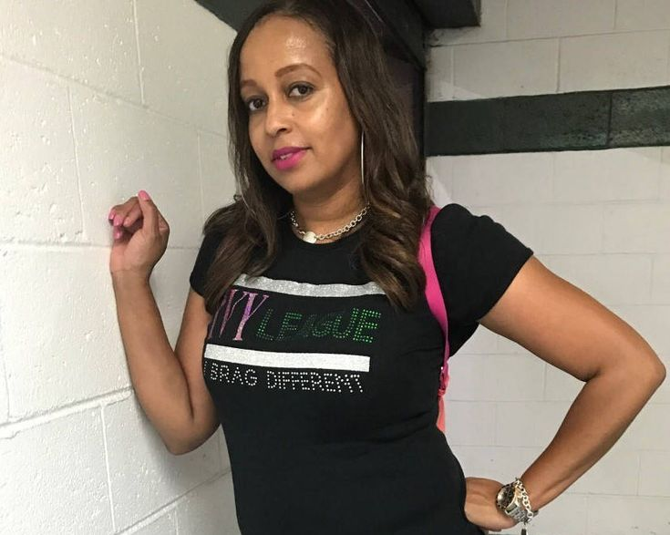 IVY LEAGUE, I brag different shirt. Sorority, AKA, Alpha Kappa Alpha shirt. by CLeiDesigns on Etsy https://www.etsy.com/listing/554303331/ivy-league-i-brag-different-shirt