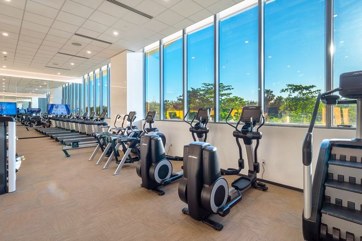 #gym#equipment#view#luxuryliving | Commercial interior ...
