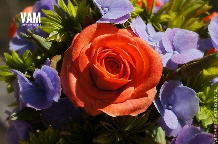 """Купить """"САМОЙ ЛЮБИМОЙ"""" - комбинированный, гортензия, розы из полимерной глины, оанжевый, фиолетовый, зеленый"""