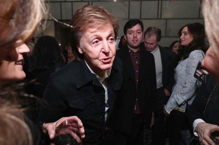 Ex-Beatle Paul McCartney hat sich im Rechtsstreit um die Urheberrechte an den Beatles-Songtexten mit dem Musikverlag Sony ATV geeinigt.