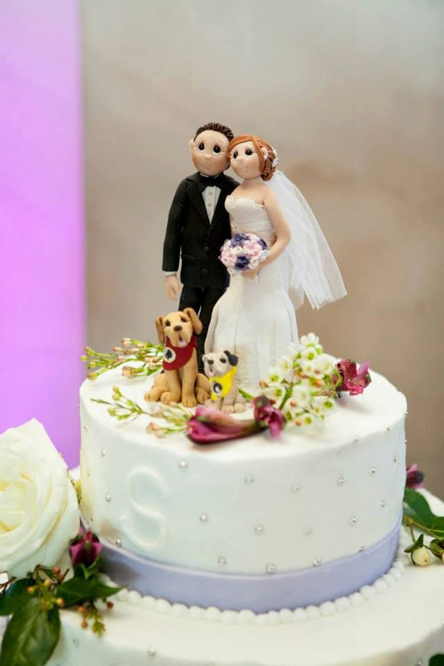 Custom Wedding Cake Topper with Pet (s) - Bride & Groom - Personalized Wedding Decor by lynnslittlecreations on Etsy