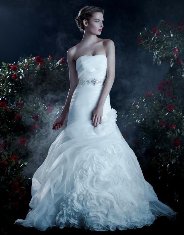 151 best Flawless Wedding Dresses! images on Pinterest   Wedding ...