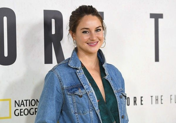 Shailene Woodley Photos Photos - Actress Shailene Woodley attends the National Geographic screening of 'Before the Flood' at United Nations Headquarters on October 20, 2016 in New York City.  / AFP / ANGELA WEISS - 'Before the Flood' New York Premiere