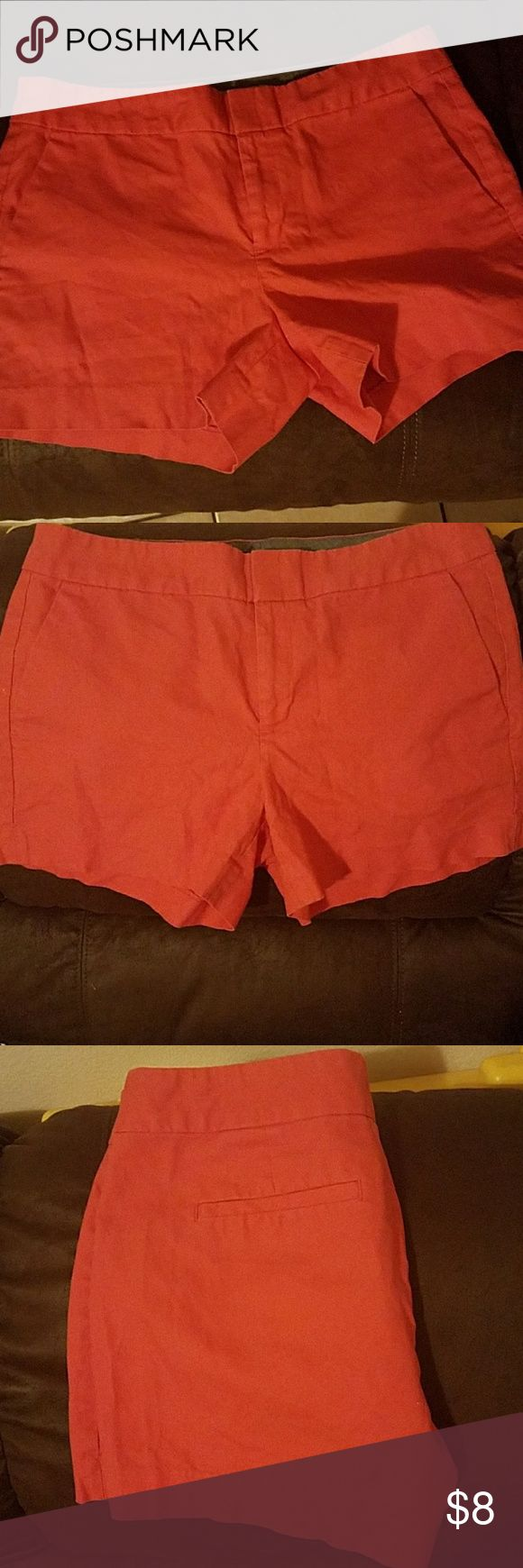 Banana republic size 8 dark peach color More on the orange peach color, perfect condition Banana Republic Shorts