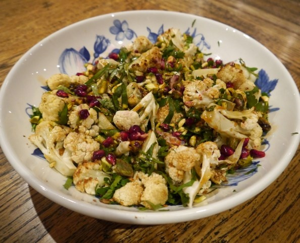 Spiced roast cauliflower salad with pistachios,pomegranate and other nutritious and delicious foods!: Superfood Salad, Cauliflower Salad, Side, Recipes, Roasts, Cauliflowers Salad, Roasted Cauliflowers, Pistachios Salad, Pistachios Pomegranates
