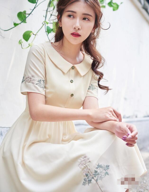Бесплатная доставка Высокое качество сладкий Новинка Питер Пэн воротник цветок вышивка короткий рукав женщина шифоновое платье абрикоскупить в магазине Sunny  Zhu's store(  Exquisite  High-quality  Fashion) наAliExpress