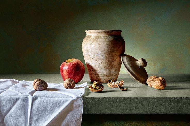 Studio Photography - Antonio Diaz - Appel, nuts an vase by Antonio Diaz, via 500px
