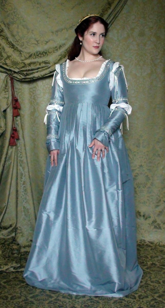 Fiaba 1500-1530s Italian gown, Decosa Design   Renaissance Dress ...