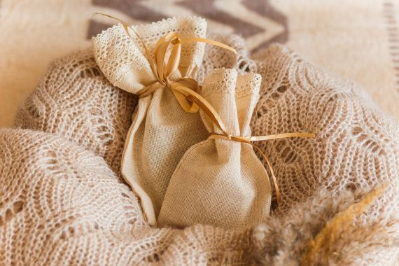20 bolsa favor de boda gracias bolso, bolsa eco, favor de la boda rústica, shabby chic boda, bolsa favor rústico, rústico del regalo, favor rústico bolsas favor de la boda de algodón, bolsas favor de algodón, bolsas de jabón, bolso rústico gracias, algodón gracias bolso    Bolsas de hilo doble de algodón diseñado para embalaje eco-regalos, perfecto para un pedazo de jabón hecho a mano del embalaje.  Tenemos 2 tipos ekobags disponibles en 2 tamaños: mediano y mini bolsas de jabón…