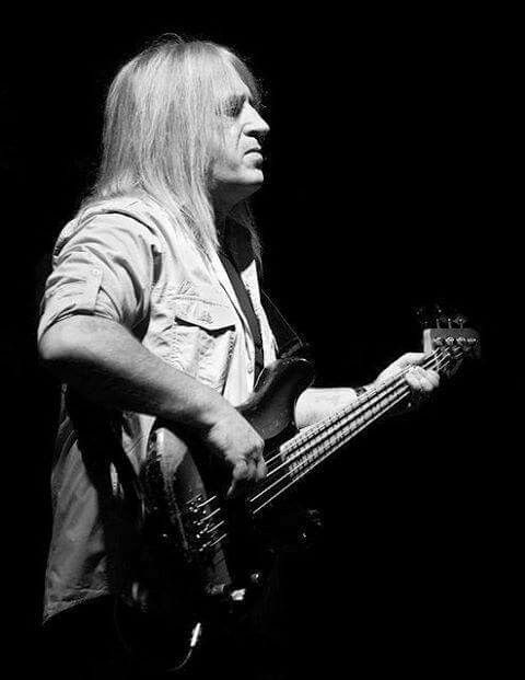 HAPPY BIRTHDAY IN HEAVEN, TREVOR BOLDER (9 June 1950 – 21 May 2013) - was an English rock musician, songwriter and record producer. He is best known for his long association with URIAH HEEP and his tenure with The Spiders from Mars, the one-time backing band for DAVID BOWIE ...!!! R.I.P