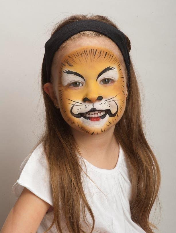 Lion face paint: To add the details - Lion face paint