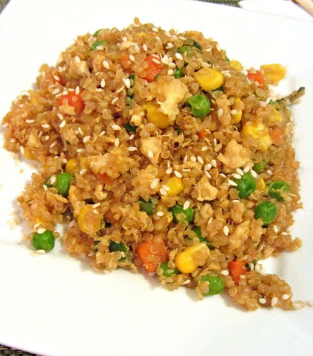 """Quinoa Fried """"Rice""""! a healthy alternative to the classic dish with 10g protein per serving!"""