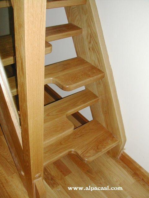 Escalera en madera de roble con pasos alternos http www for Escalera 5 pasos afuera