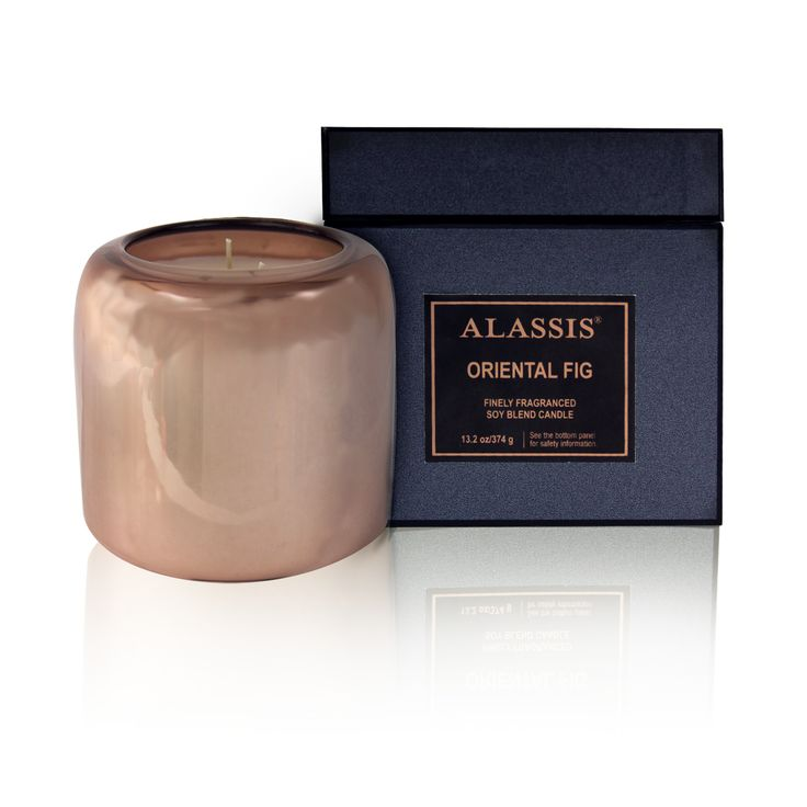The Alassis Luxe collection has a high shine finish for a luxurious touch reminiscent of mysterious mirrored reflections of the Mediterranean. These exquisite candles will add brilliance and radiance while diffusing their refined fragrances composed of high quality ingredients.
