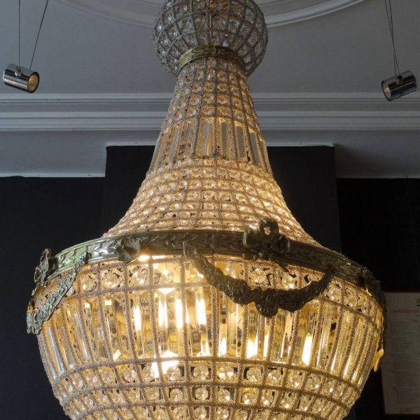 Kristallen zak-kroonluchter met zes lichtpunten en bronzen montuur