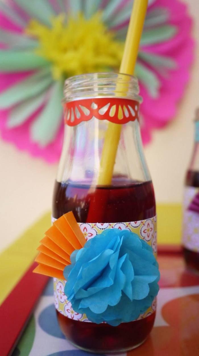 Colorful Fiesta {Mexican themed birthday party} Full of Fun Ideas via Kara's Party Ideas Kara's Party Ideas   Cake, decor, cupcakes, games and more! KarasPartyIdeas.com #fiesta #fiestaparty #mexicanfiesta #colorfulfiesta #partyideas #partydecor (16)