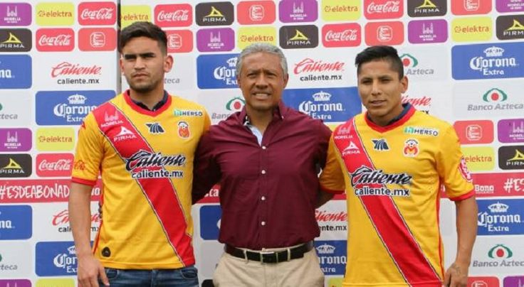 El peruano Raúl Ruidíaz y el chileno Sebastián Vegas fueron presentados este jueves como los últimos refuerzos de Monarcas Morelia para enfrentar el torneo Apertura 2016 de la Liga MX, ...