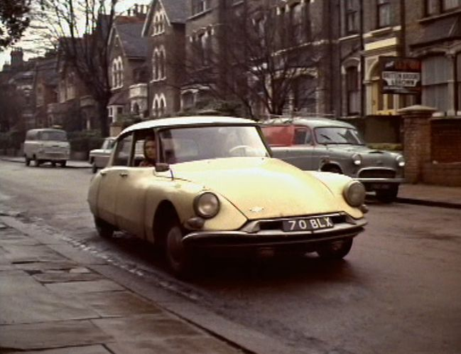 1959 Citroen ID19 Confort in an episode of The Avengers (5.09)