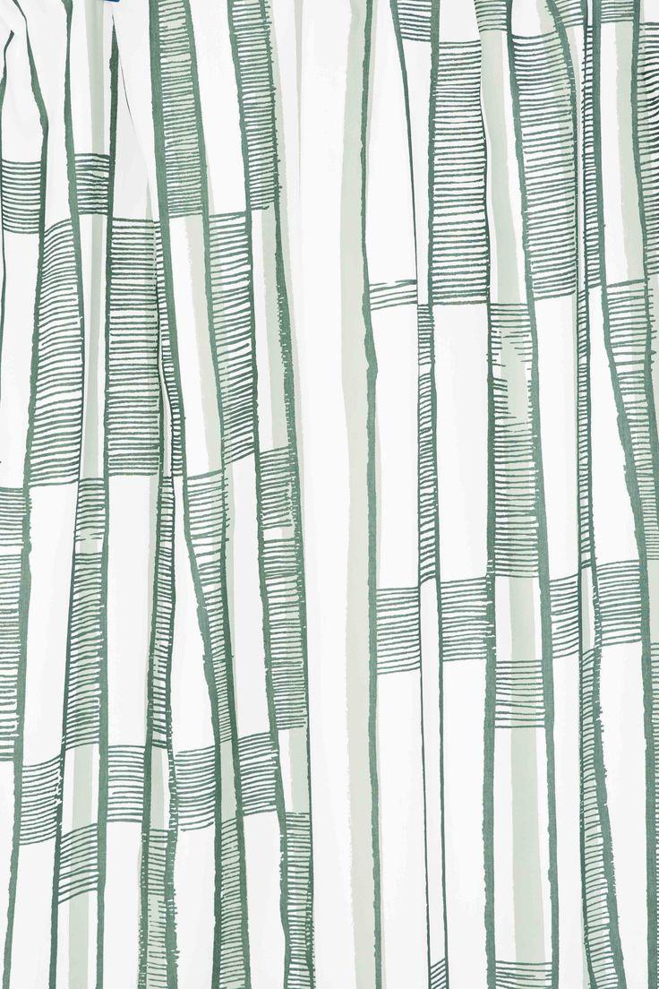 Närbild på Essy Winnerholts mönster Lejdaren i grönt.