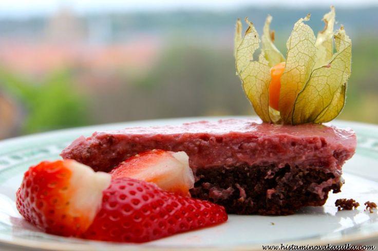 Mandlový dortík s jahodovým krémem