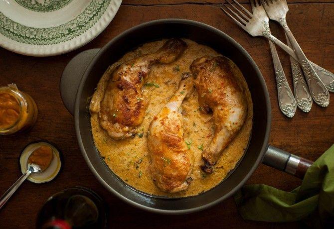 Mustáros csirkecombok serpenyőben