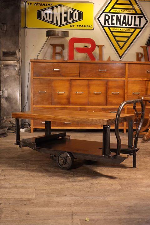 table basse charriot usine ancien plus d'info sur : http://ift.tt/1j72nM2 #deco #design #vintage #usine #loft #antiquitesdesign
