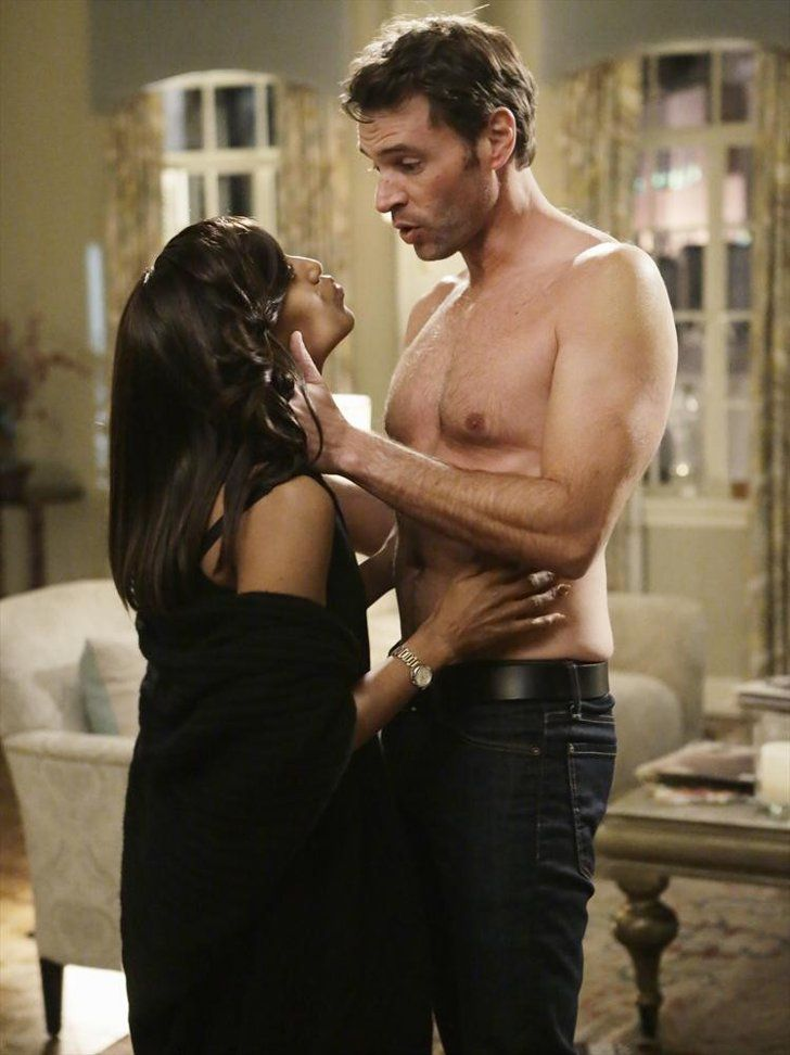 Pin for Later: The Best Shirtless TV Moments From 2015 Scandal Anyone else constantly surprised by how tall Scott Foley is?