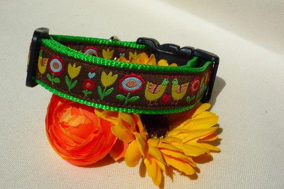 首輪のオーダーお受けいたします。良質な Oeko Tex Standard認証の織りリボンを使用しています。童話に出てきそうなお花とニワトリがキュートです(*... ハンドメイド、手作り、手仕事品の通販・販売・購入ならCreema。