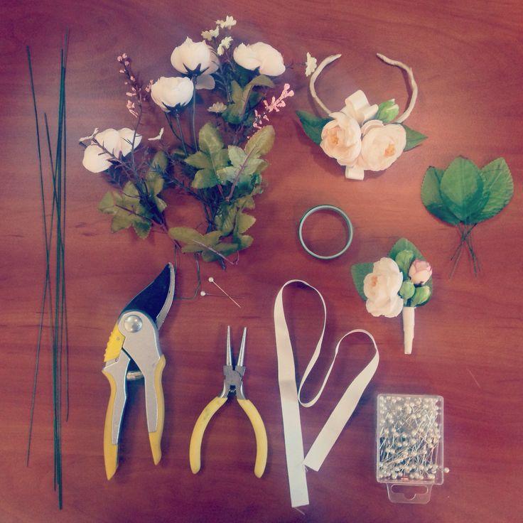 Создаем аксессуары для свадьбы с использованием цветов, которые не завянут :) #Charodeyki #accessories #аксессуары #свадьба #чародейки #wedding #inspiration #weddinginspiration #бутоньерка #boutonnière #floristics #флористика #likes