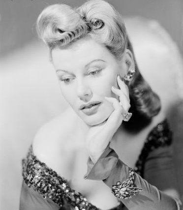 Marvelous 40s hair. #vintage #hair #hairstyles #1940s