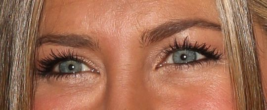 The Little Makeup Trick Jennifer Aniston Uses to Make Her Eyes Glow